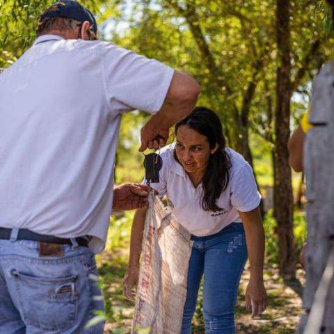 Taller de Elaboracion de Bioinsumo en la comunidad de Pitoos, Campo la China (24)