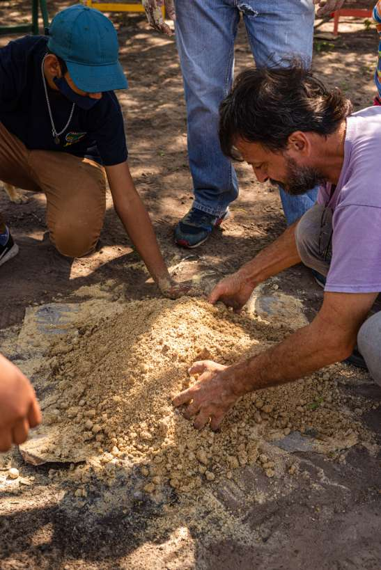 Taller de Elaboracion de Bioinsumo en la comunidad de Pitoos, Campo la China (43)