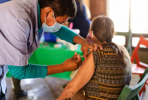 vacunacion centro de salud JUM