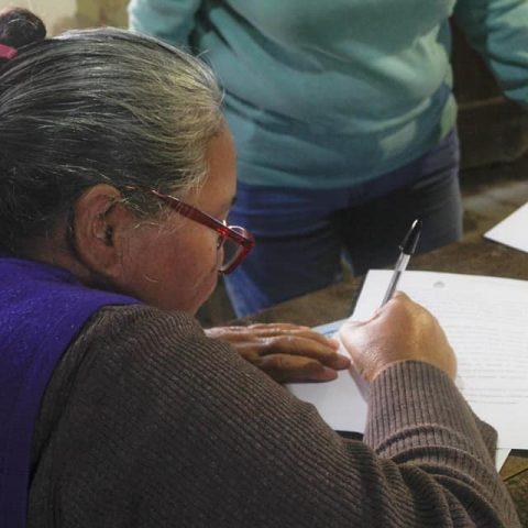 firma-del-convenio-del-proyecto-presentado-y-aprobado-en-el-marco-del-PISEAR (1)