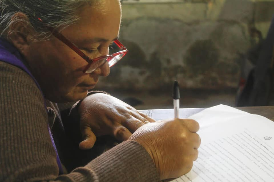 firma-del-convenio-del-proyecto-presentado-y-aprobado-en-el-marco-del-PISEAR (2)